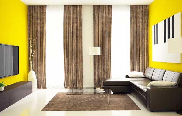 カーテンの高い部屋