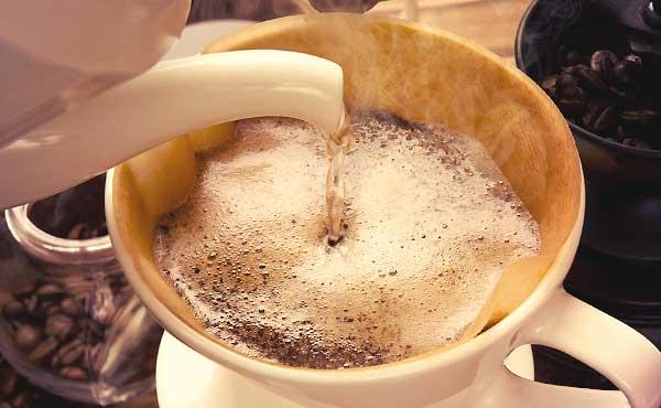 コーヒー豆のかすを最後まで使い切る10通りの再利用法