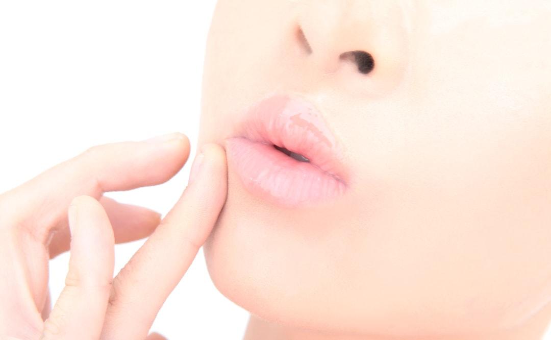 唇がぷるっぷるになる!リップケア&マッサージ方法