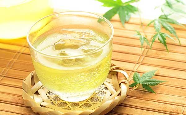 緑茶の効能・美白とデトックス効果がある上手な飲み方