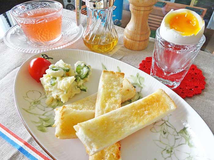 フランスの朝食風