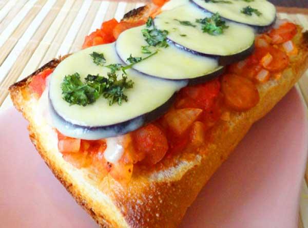 完熟トマトと茄子のスパイシータルティーヌ完成写真2