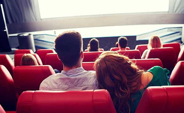 映画デートで注意すべきこと・4つの嫌われる行為から学ぶ