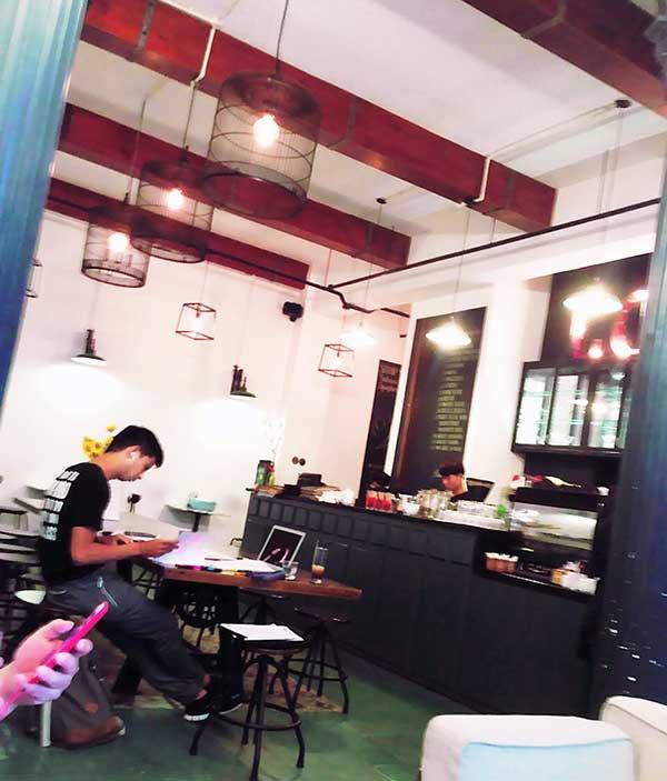 ベトナムのオシャレなカフェ「Loft Café」