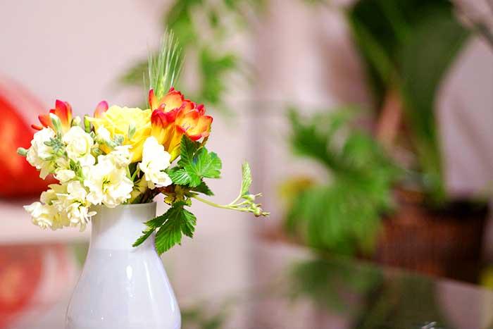 フラワーアレンジメントの花