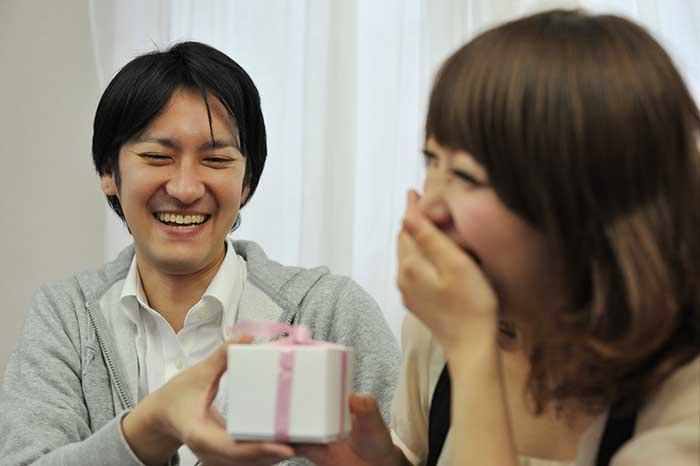 理想のプレゼントで彼も彼女もハッピー