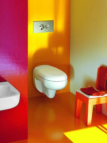 色使いが可愛いトイレ