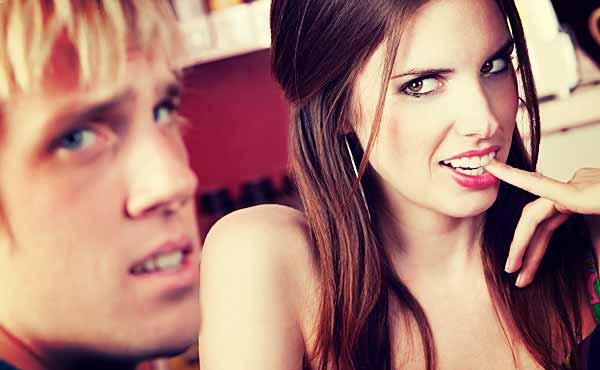 この恋愛アプローチは絶対逆効果だ・男がドン引きNG例