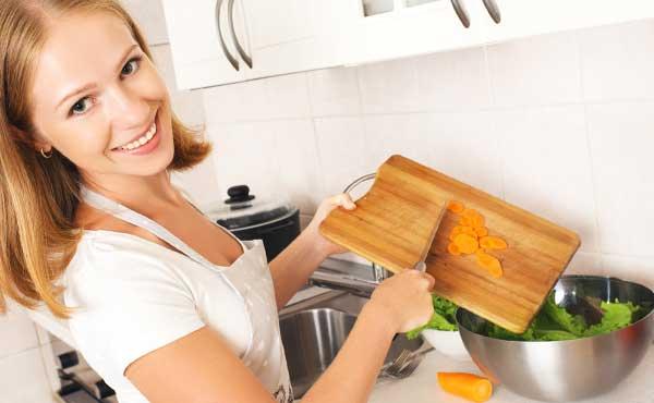料理上手の女性