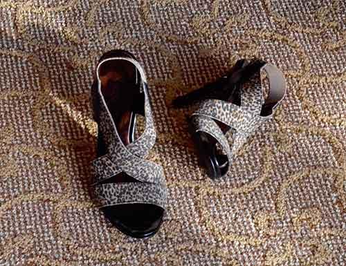 彼氏のお母さんが見る靴の脱ぎ方