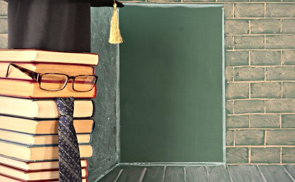 メガネ男子でイケメン多し!書店男子のポイントや魅力をチェック