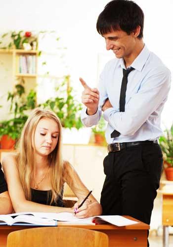 習い事に励む女性