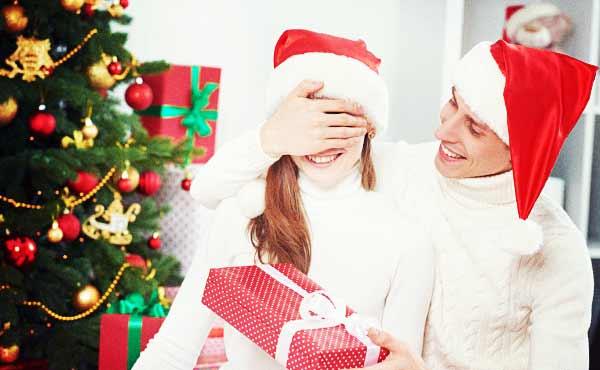 彼女にクリスマスプレゼント・確実ハズさない嬉しい贈り物