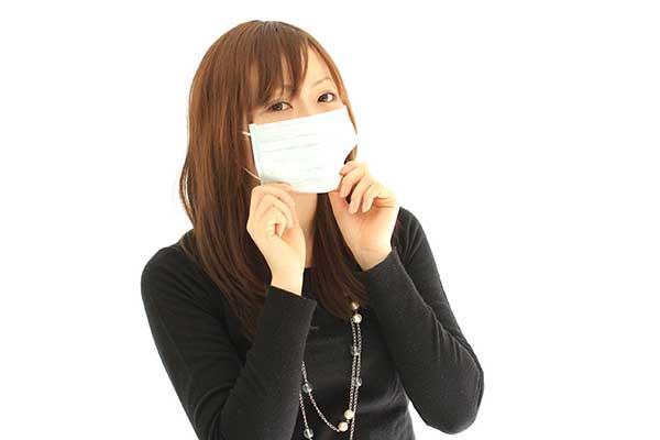 彼氏風邪の看病にはマスク持参で