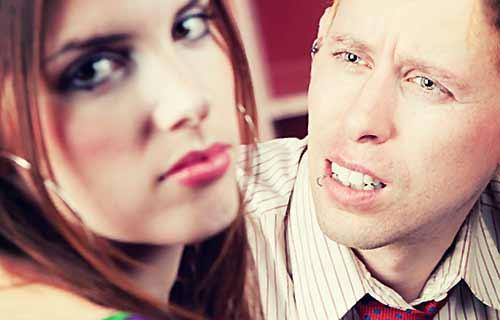 ケンカしているカップル