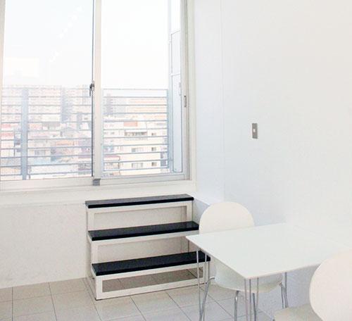 白を基調としたオシャレな部屋