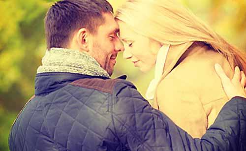 愛し合うことを誓う夫婦