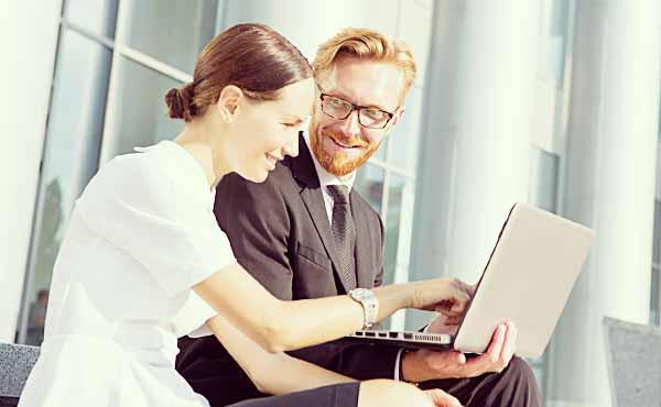 職場の気になる男性に良い印象を与えるアプローチ術