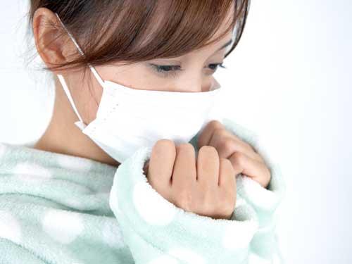 マスクをしているすべての女性が風邪をひいているというわけではありません。