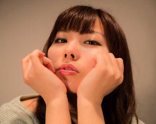 男性に対してもいつも強がって弱音を吐けない女性が増えています