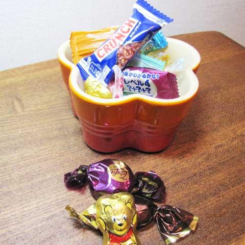甘いものを摂りすぎるとニキビの原因に…