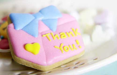 「ありがとう」のメッセージを書いたクッキー