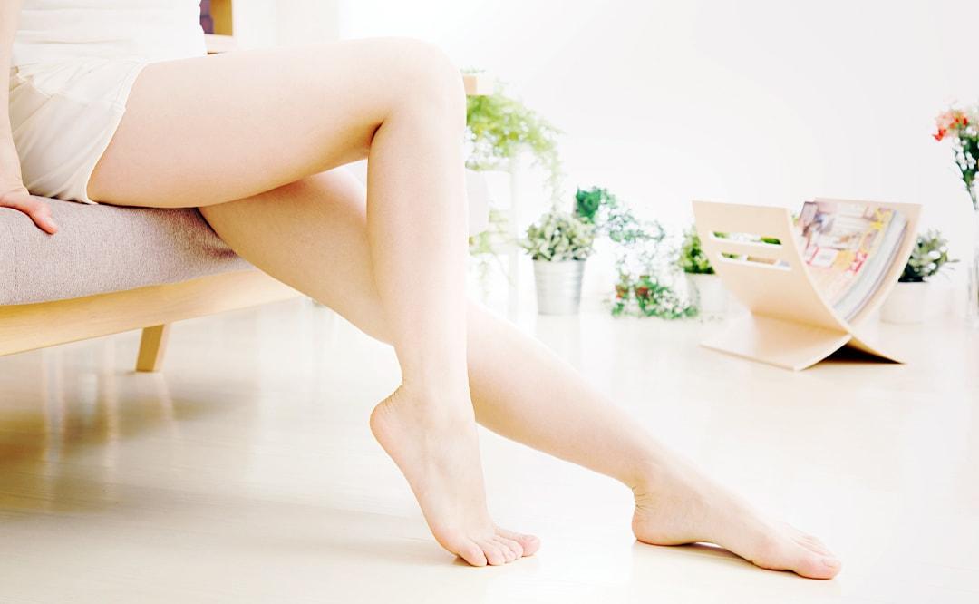膝の黒ずみ・自信を持ってスカートが履けるケア予防法