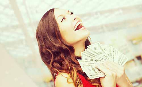お金遣いの荒い女