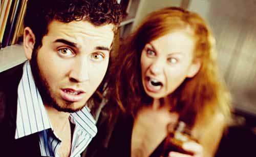 喧嘩する男と女