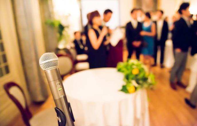 結婚式場のマイク