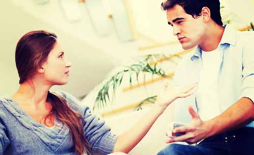 恋人を否定する女性