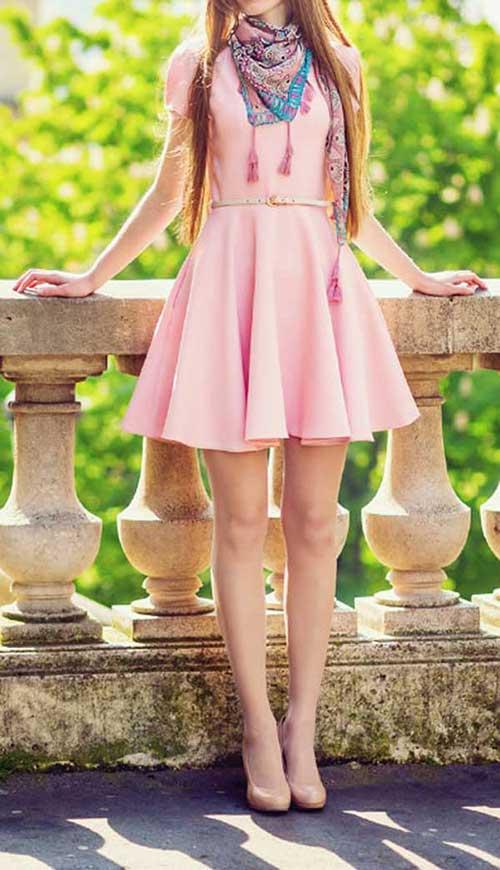 全身ピンクのファッション