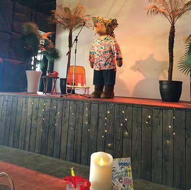 ミニステージではクマさんが