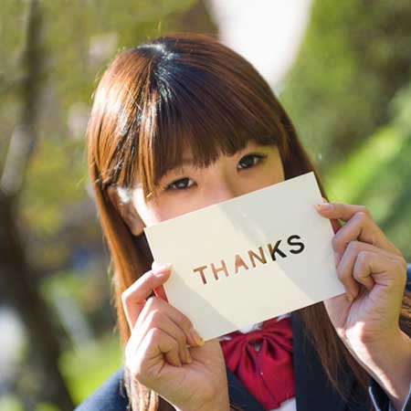 ありがとうと言う女学生