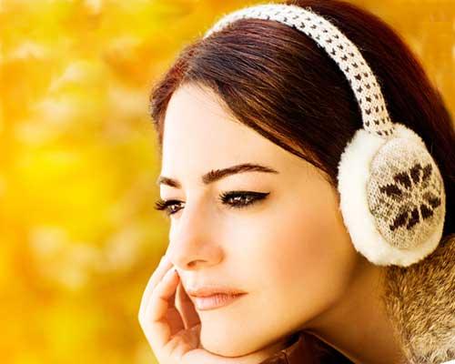 耳パッドした女性の横顔