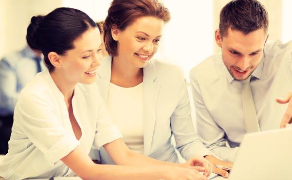 職場恋愛のきっかけ作りに!【社内で男性に見せる6つの表情】