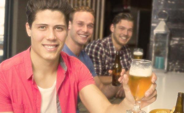 外国人男性と付き合いたいなら!行くべき価値ある出会いスポット5つ
