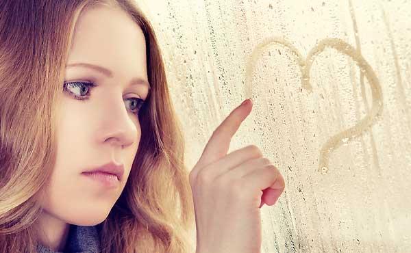 恋人依存しやすい女の特徴4つ&幸せを手に入れる2つの方法
