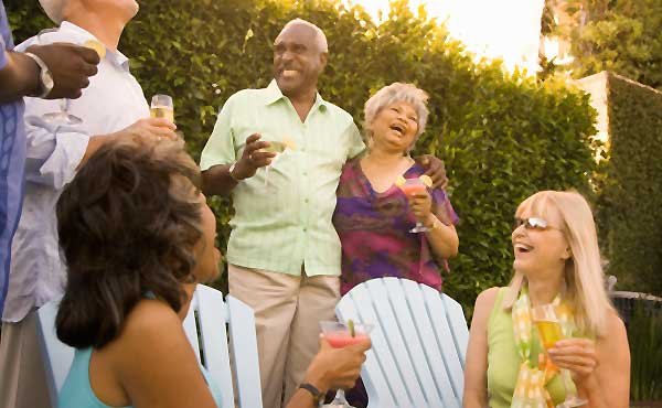 パーティーを楽しむ人たち