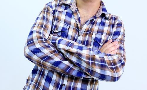 チェックのワイシャツ