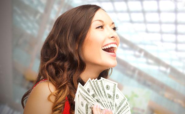 「お金の使い方荒いな…。」恋愛が遠のくバブル女子の特徴6つ!