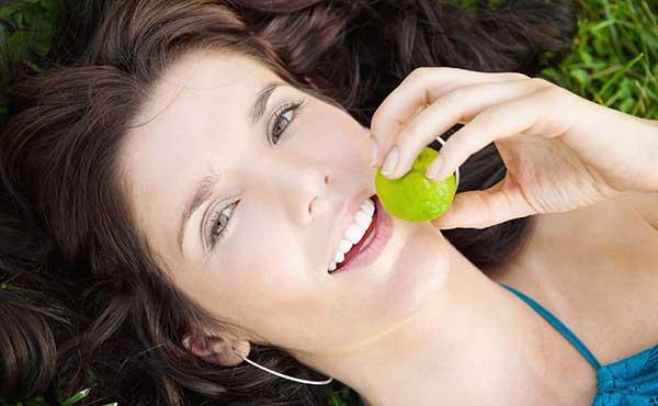 口臭改善・気になる口のニオイを綺麗にするマウスケア方法