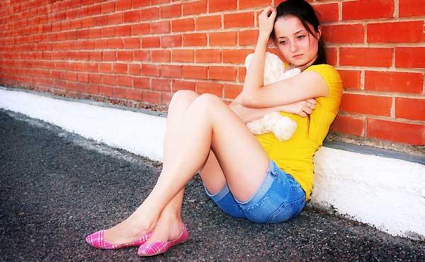 周りに敵を作る嫌われ女子の行動6つ!改善して愛され女子に変身!
