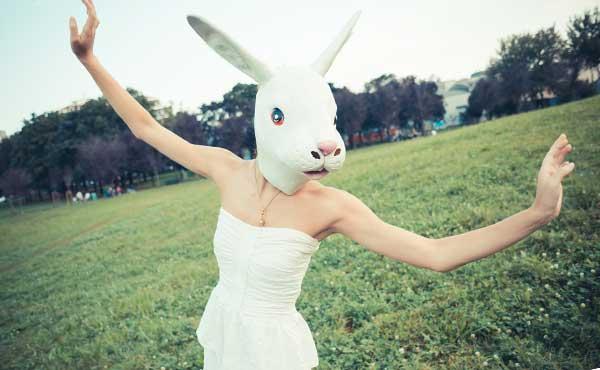 ウサギになった女性
