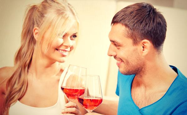 お酒が性格を暴き出す!6つの飲み方で見抜く彼の本性や恋愛心理