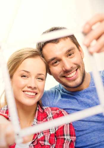 一緒に暮らして家賃半額のカップル