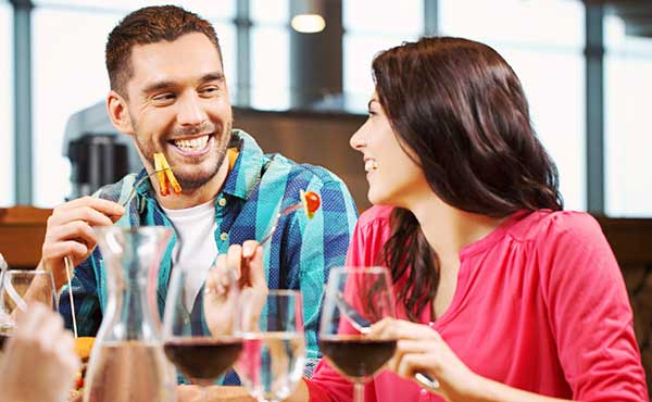 居酒屋デートで好感度アップを狙える仕草・態度・メニュー