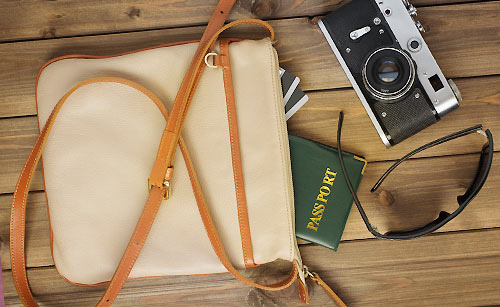 ブランド物のバッグ