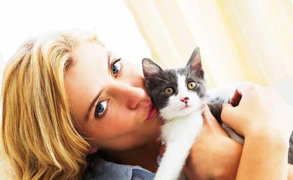 ペットの写真と見せかけて自分撮り写真