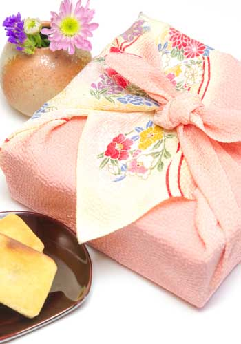 日本式万能型袋:風呂敷